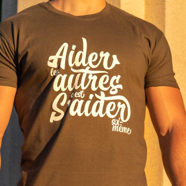 T-shirt «Aider les autres» – kaki